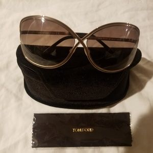 Like New Tom Ford Rickie sunglasses